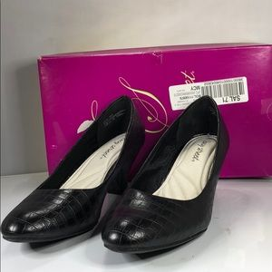 [183] Easy Street 8.5 W Womens Fabulous Pumps